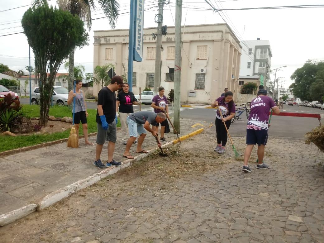 ADMINISTRAÇÃO MUNICIPAL REALIZA SEGUNDO MUTIRÃO DE LIMPEZA DESTE ANO