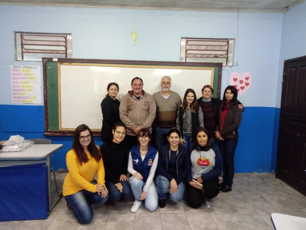 CURSO DE PRIMEIROS SOCORROS É OFERTADO AOS PROFESSORES DA REDE MUNICIPAL DE ENSINO