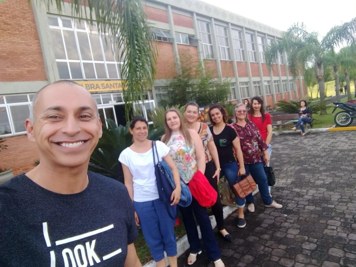 PROFESSORES PARTICIPAM DE ENCONTRO DE FORMAÇÃO DA EQUIPE MUNICIPAL DA BNCC